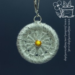 Daisy Flower Dorset Button Stitch Marker